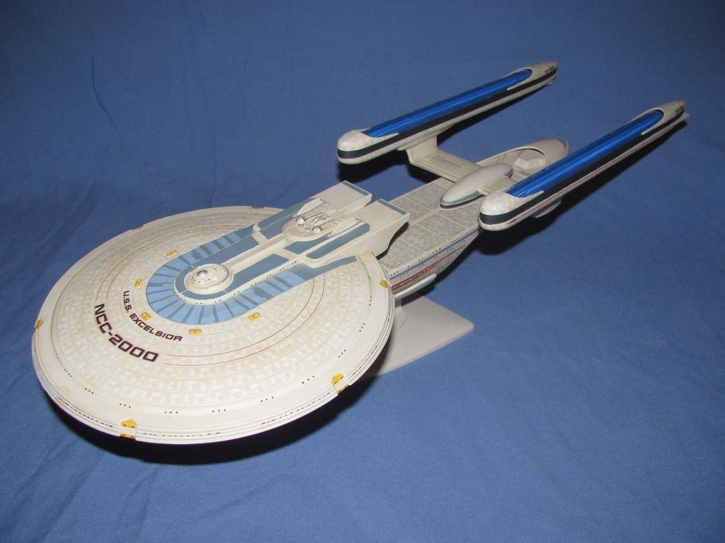 1/1000 USS Excelsior $40