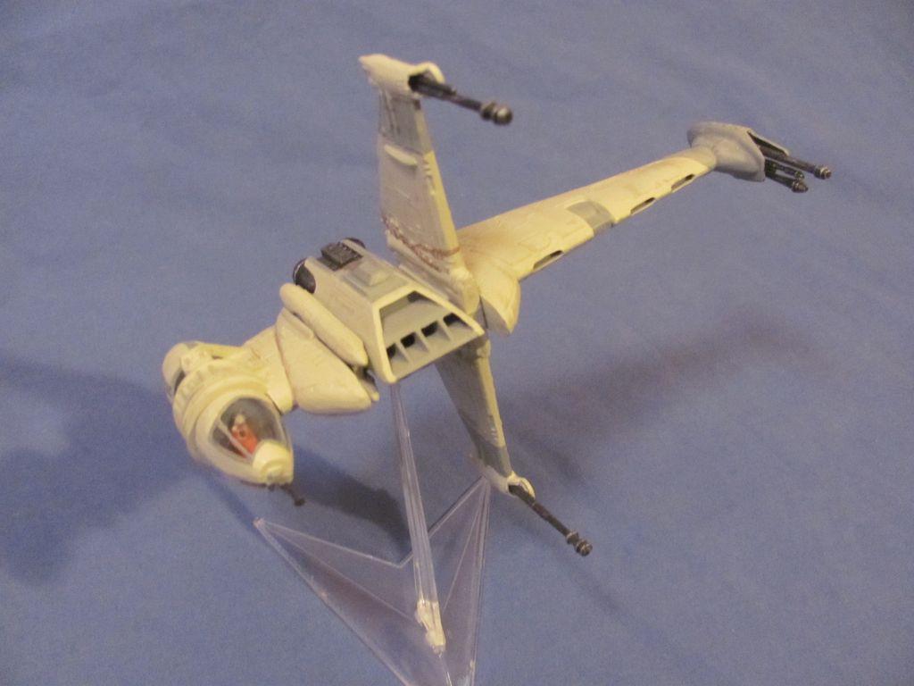 1/100 B-Wing $10