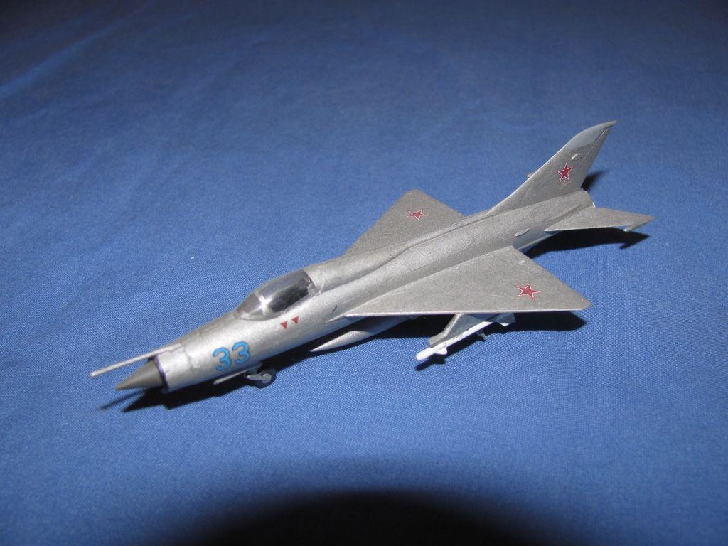 1/144 Russian Mig 21 $3
