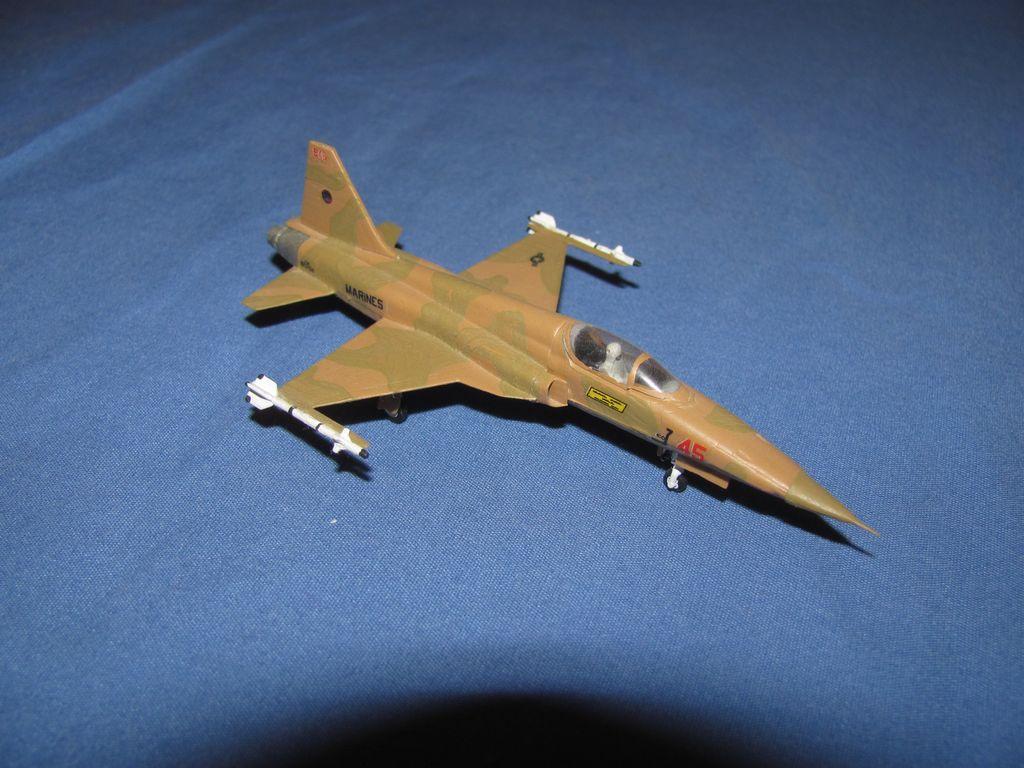1/144 US F-5 $3