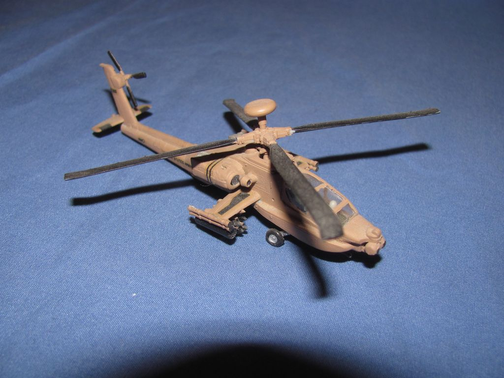 1/144 US Apache $3