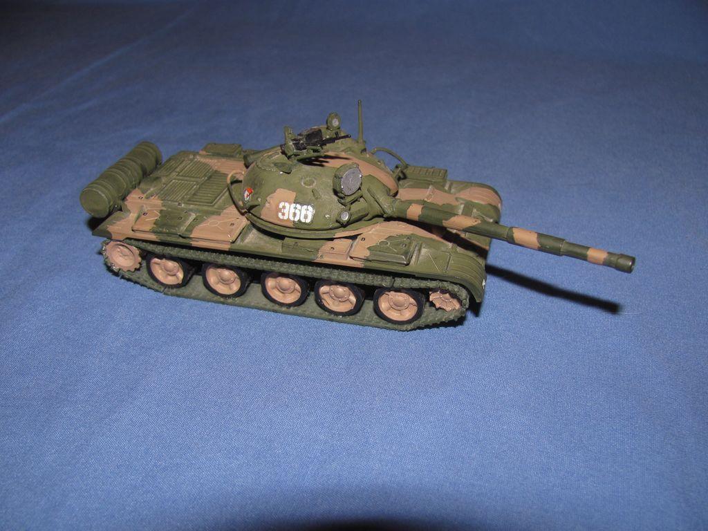 1/72 Russian T-62 $4