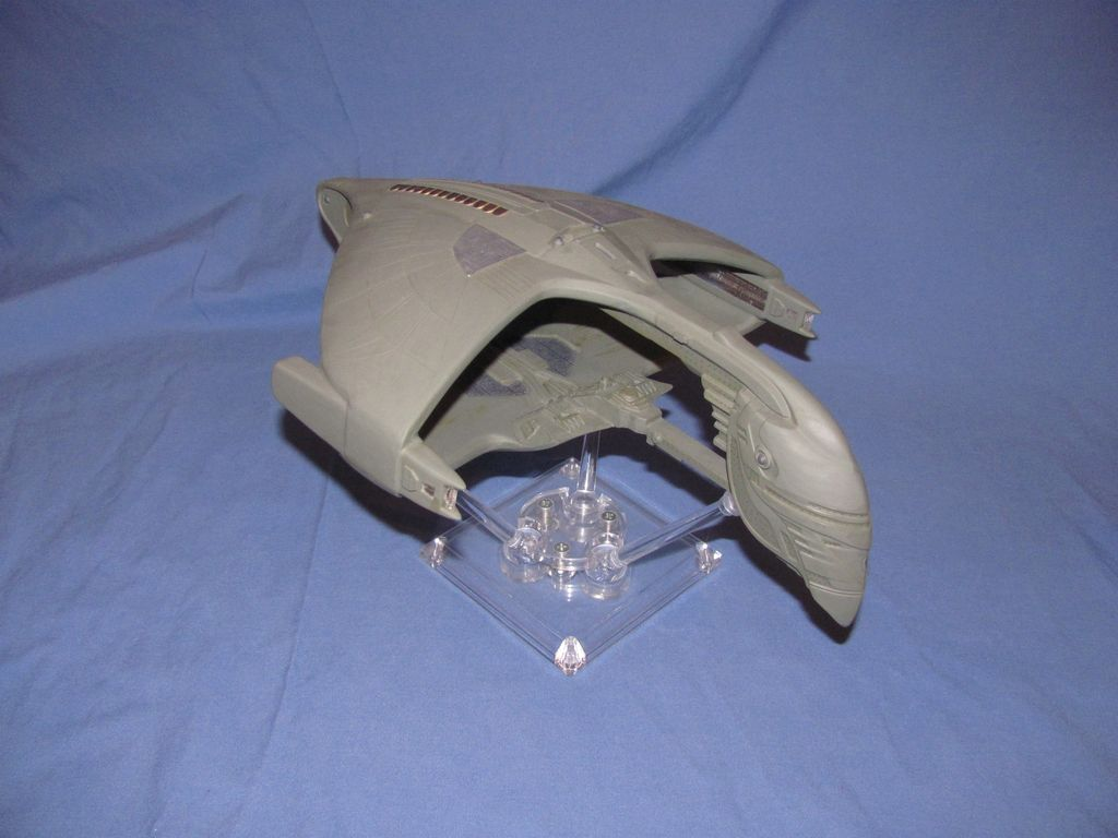 1/2500 Romulan Warbird w/Fiber optic lights $100
